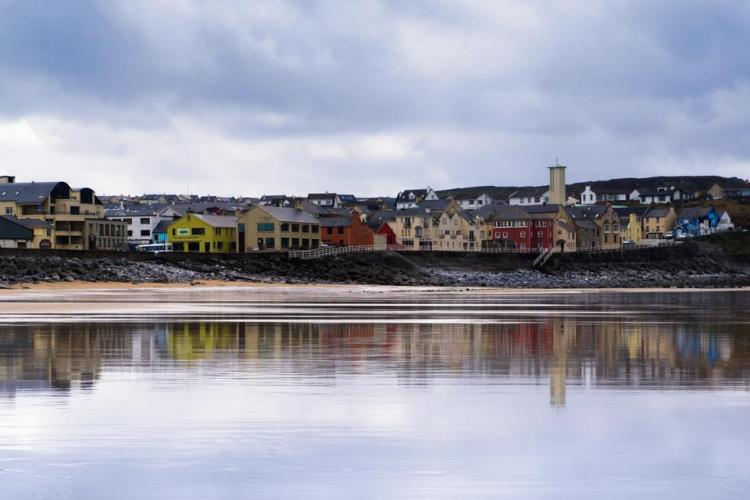 Lahinch Beach. Image Sue Pollard www.serenity-photos.co.uk