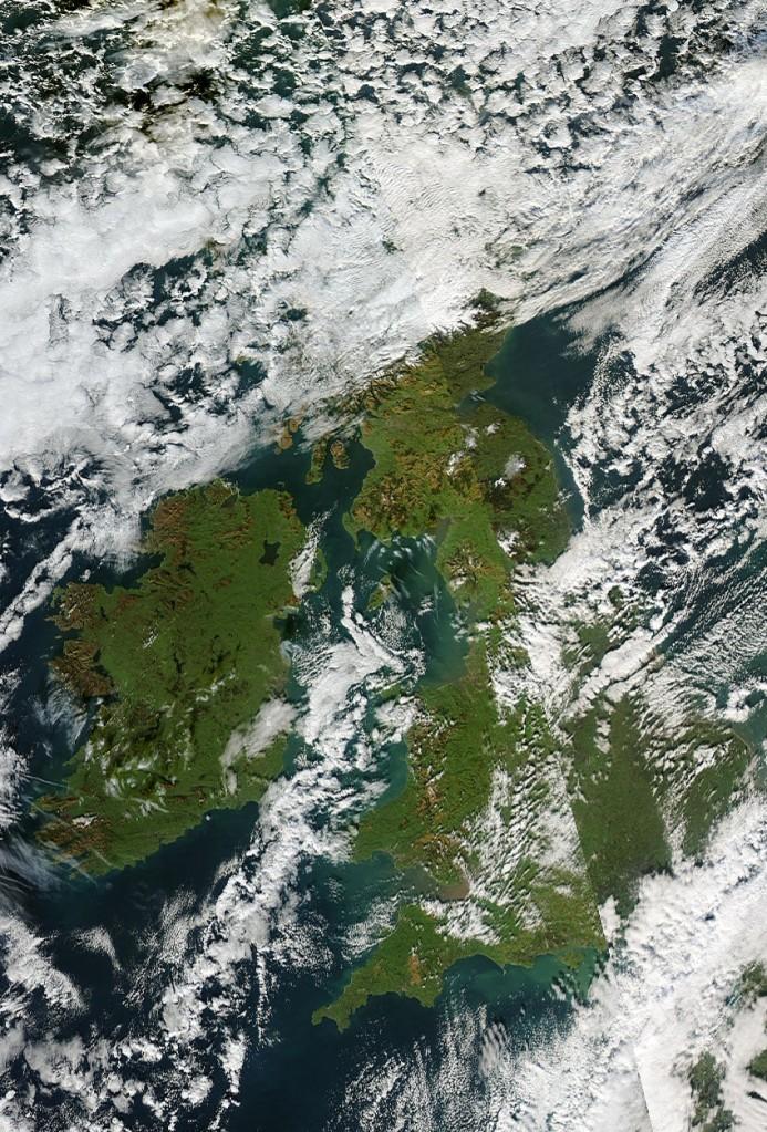 United_Kingdom_Ireland.2013326.aqua.1km