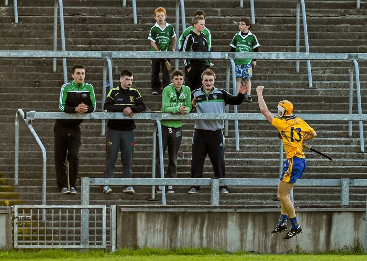 Aaron Cunningham, Clare, celebrates after scoring a goal. Bord Gais Energy Munster GAA Hurling Under 21 Championship Quarter-Final, Limerick v Clare, Gaelic Grounds, Limerick. Picture credit: Diarmuid Greene / SPORTSFILE