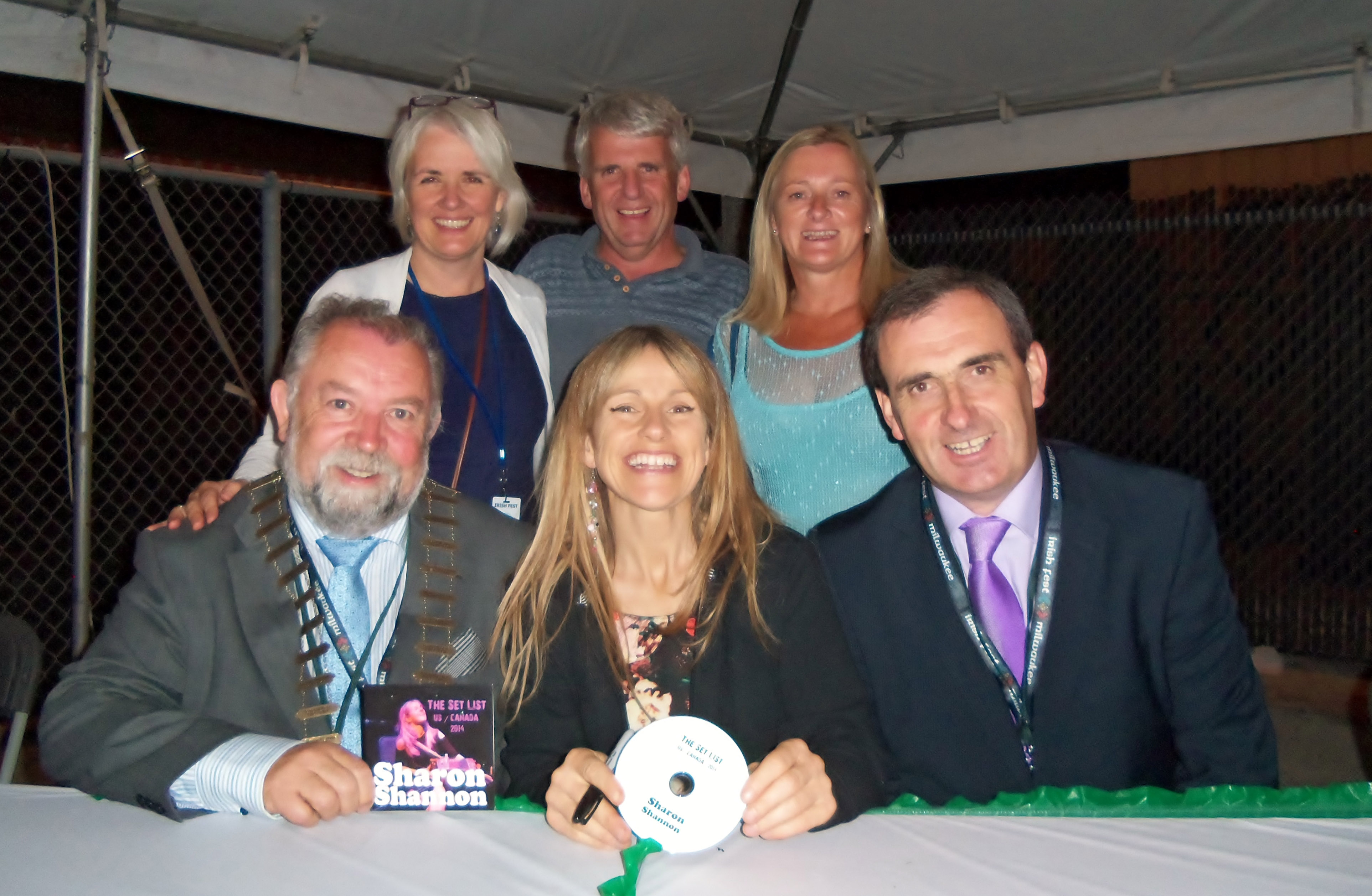 Clare representatives met with Ruan musician Sharon Shannon after one of her performances at Milwaukee Irish Fest on Thursday night. Pictured back row (l to r) Carol Gleeson, Burren Geopark, Jackie and Niamh Cronin (Glynns Coaches) front row (l to r) Cllr John Crowe, Cathaoirleach Clare County Council, Sharon Shannon and Gerard Dollard, Director of Services, Clare County Council