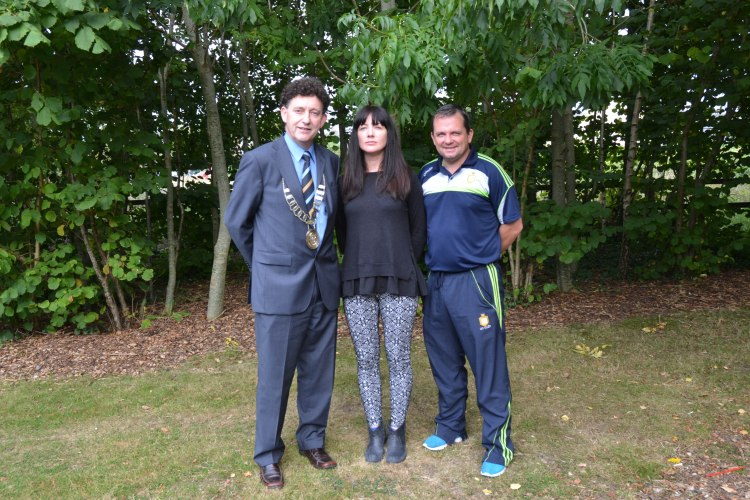 "Mayor of Ennis Cllr Johnny Flynn with two of the keynote speakers from the ""Be The Best That You Can Be"" motivation seminar at Glór, Ennis, Co. Clare, on Wednesday, 17 September 2014. Pictured L-R: Cllr Johnny Flynn Mayor of Ennis, Hannagh Mc Ginley, NUIG. and Davy Fitzgerald, Manager Clare Senior Hurling Team. Photograph Catherine O'Hara"