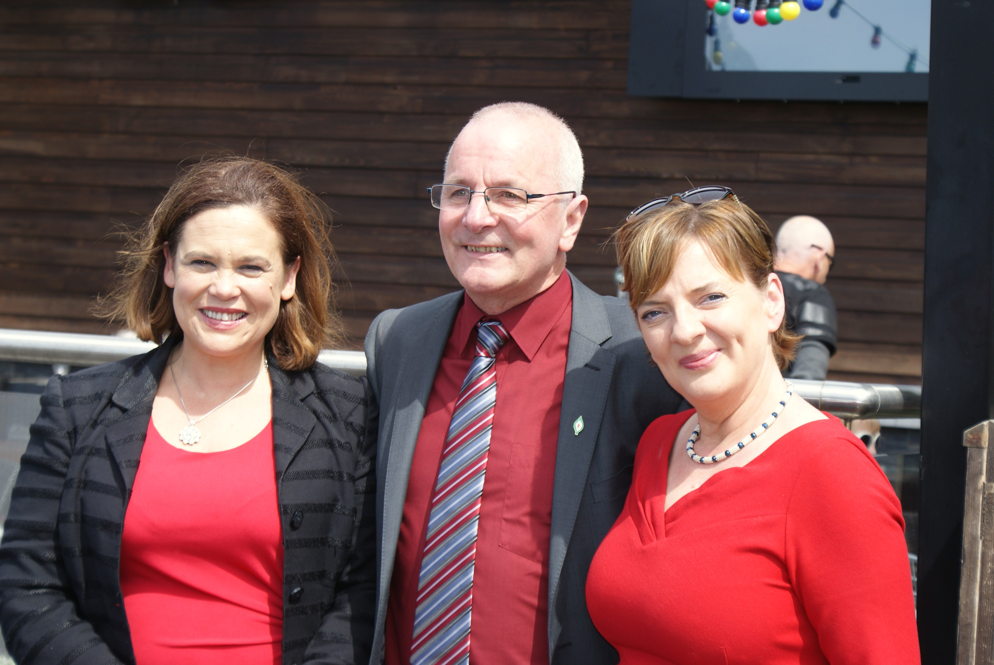 Mary Lou McDonald and Liadh Ni Riada pictured with Mike McKee