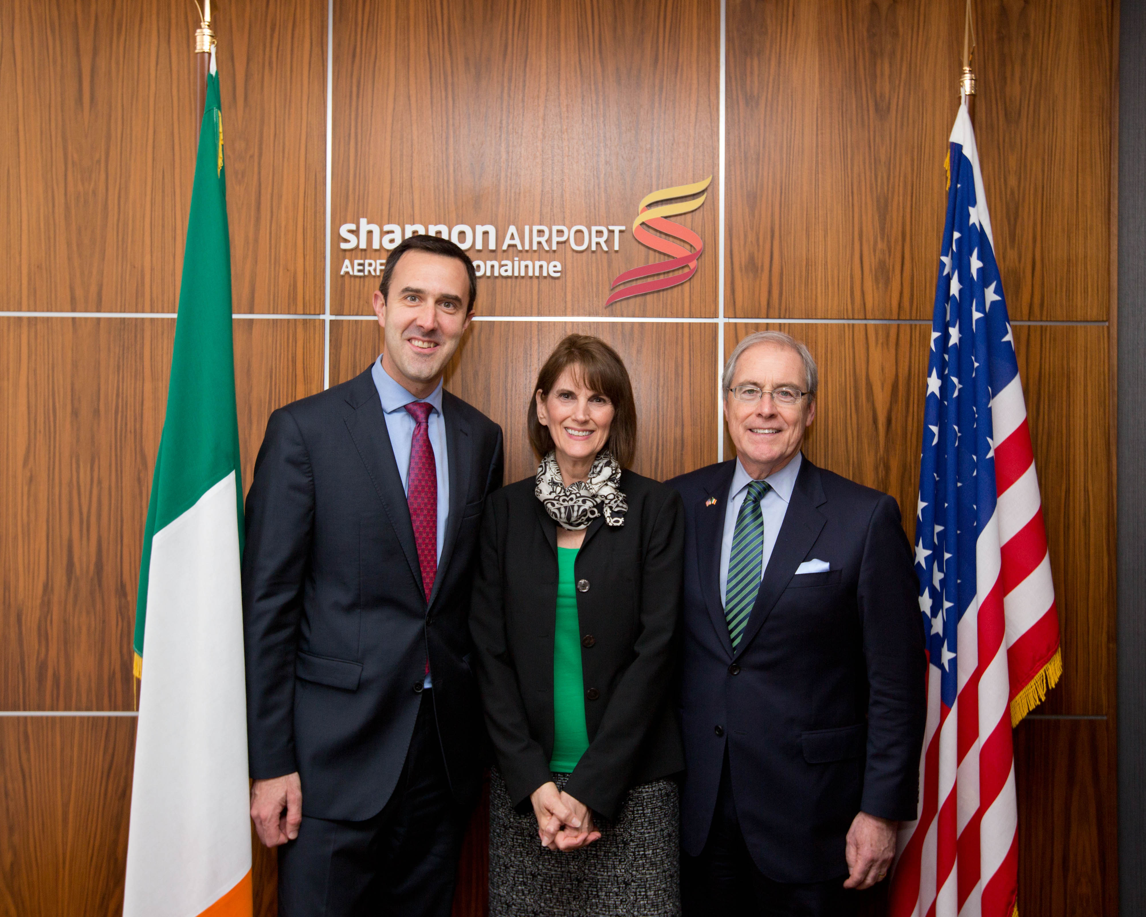 Andrew Murphy, Chief Commercial Officer Shannon Airport greets newly appointed US Ambassador to Ireland Kevin OÕMalley and his wife Dena at Shannon Airport.  Ambassador OÕMalley was making his first visit to Shannon since his appointment five weeks ago to the post.  Pic Sean Curtin Photo.