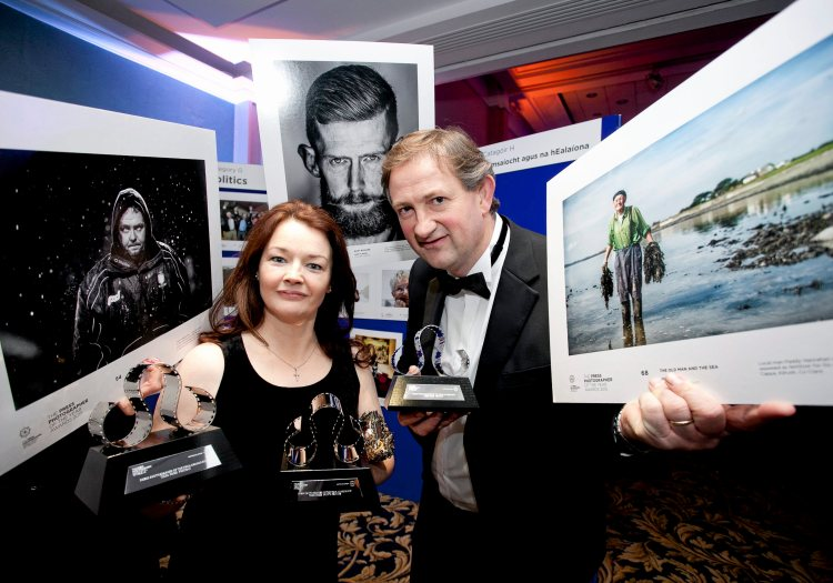 Loretto and John Kelly at the Press Photographers Association of Ireland - Press Photographer of the Year Awards 2015, Ballsbridge Hotel, Pembroke Road. Picture credit: Chris Bellew / Fennell Photography