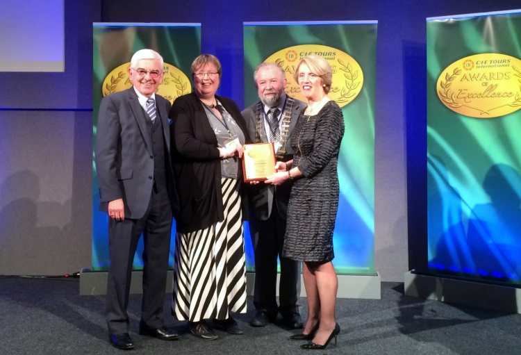The Gold award for Best National Heritage attraction was presented to the Cliffs of Moher Visitor Experience at the CIE International Excellence Awards in Dublin Castle last night. Photographed L-R Peter Malone, Board Member, CIE Tours International; Katherine Webster, Director, Cliffs of Moher Visitor Experience; Cllr John Crowe, Cathaoirleach, Clare County Council; and Vivienne Jupp, Chair of CIE Tours International.