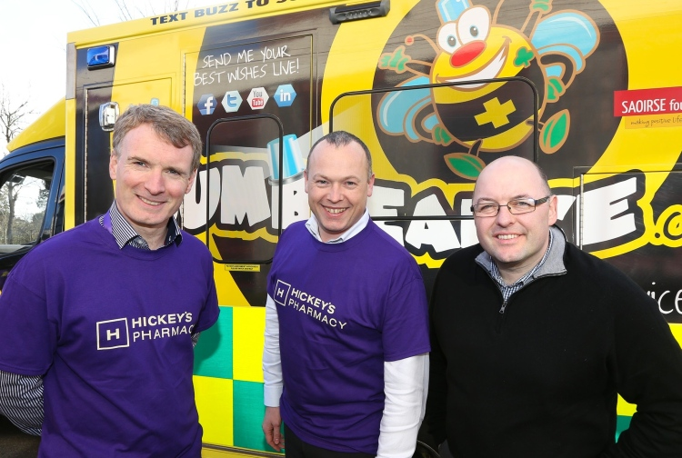 Clareman Michael Curran pictured (centre) at a recent event held to launch the scheme with Bumbleance founder Tony Heffernan (right) and Hickey's Pharmacies managing director Paddy Hickey.