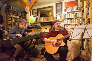 "Paulo Cerato and Trevor Hansbury performing at the ""Blues and Books"" event at Sceil Eile as part of the Ennis Book Club Festival this weekend. Photograph by Eamon Ward"