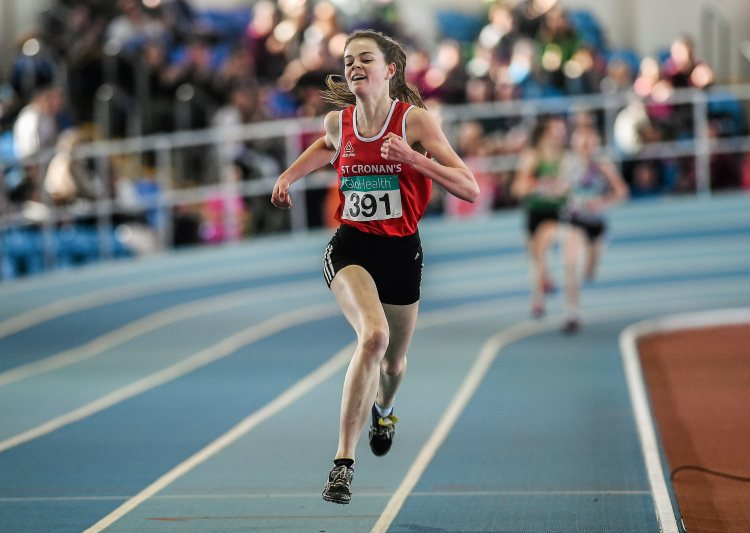 Alex O'Neill, St Cronan's AC, on her way to winning the Women's U16 1500m Final event during Day two of the GloHealth Juvenile Indoor Track and Field Championships. Athlone International Arena, Athlone, Co.Westmeath.  Picture credit: Pat Murphy / SPORTSFILE
