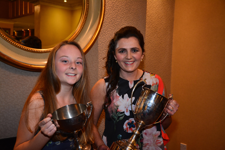 Kilmaley Féile Captain, Caoimhe Carmody with Senior Captain, Claire McMahon