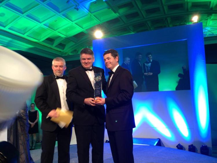 Shannon Airport CEO Neil Pakey accepts the award at the Hilton Dublin tonight. Pic c/o Failte Ireland