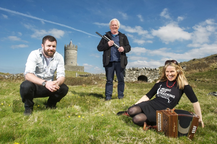 Singer Songwriter Mick Flannery, local musician Christy Barry and musician Sharon Shannon pictured at Doonagore, Doolin, launching the 3rd Doolin Folk Festival which runs from June 12th to 14th at Doolin Hotel. Pic John Kelly