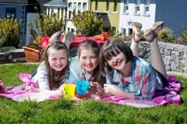 Emer Culoo (11), Molly Ellis (10) and Saoirse O'Connor (11) enjoying a spring sunshine picnic in Tulla. Pic Arthur Ellis