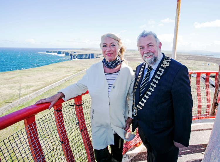 Former RTE newsreader and lighthouse enthusiast, Anne Doyle was in West Clare today where she joined Councillor John Crowe, Cathaoirleach of Clare County Council, in launching Loop Head Lighthouse's 2015 tourist season. Pic Arthur Ellis