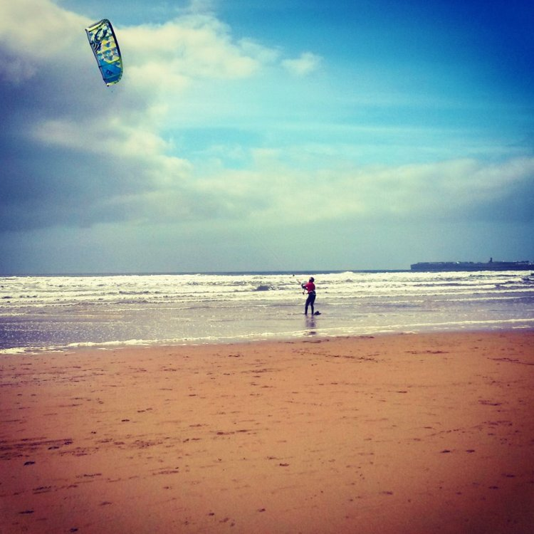 Preparing to go kite-surfing at Lahinch, Co. Clare. Pic Ciara Callinan